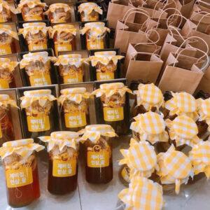 Hủ sâm củ và lát ngâm mật ong 1 lít Mama Chuê