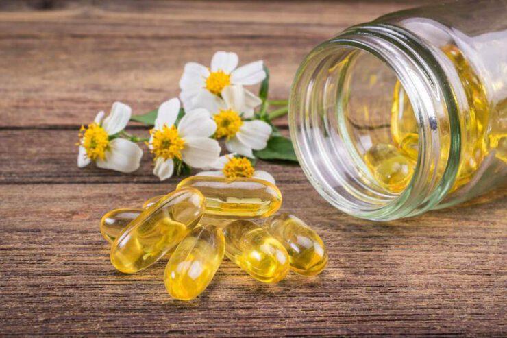 Kết hợp Vitamin E và kết hợp nghệ và kem trị thâm chân Hàn Quốc