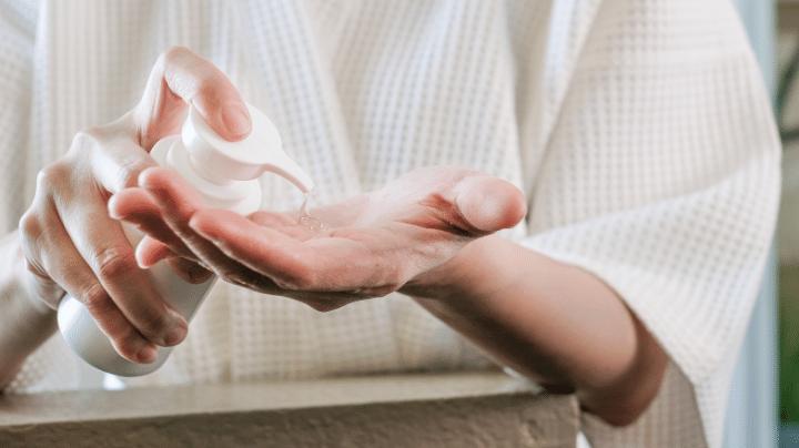 Sử dụng kem dưỡng da dạng gel cho người trên 30 tuổi có da dầu