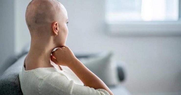 Rụng tóc do sử dụng thuốc điều trị bệnh trong thời gian dài