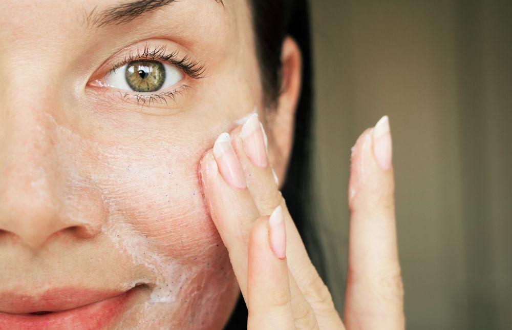 Kem dưỡng cho da dầu mụn cần ưu tiên kết cấu mỏng nhẹ