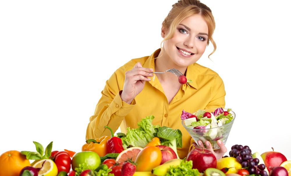 Các thực phẩm chứa Vitamin C, Vitamin E sẽ giúp làm sáng da từ bên trong