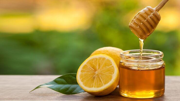 Làm sạch mụn đầu đen tại nhà bằng mật ong