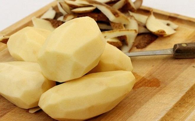 rụng tóc hai bên trán trị bằng khoai tây hiệu quả