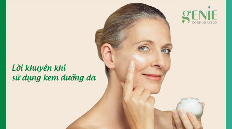 Lời khuyên khi sử dụng kem dưỡng da cho người tuổi 60