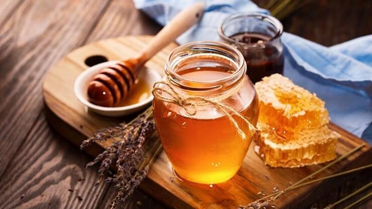 Trị thâm mụn bằng mật ong có tốt không