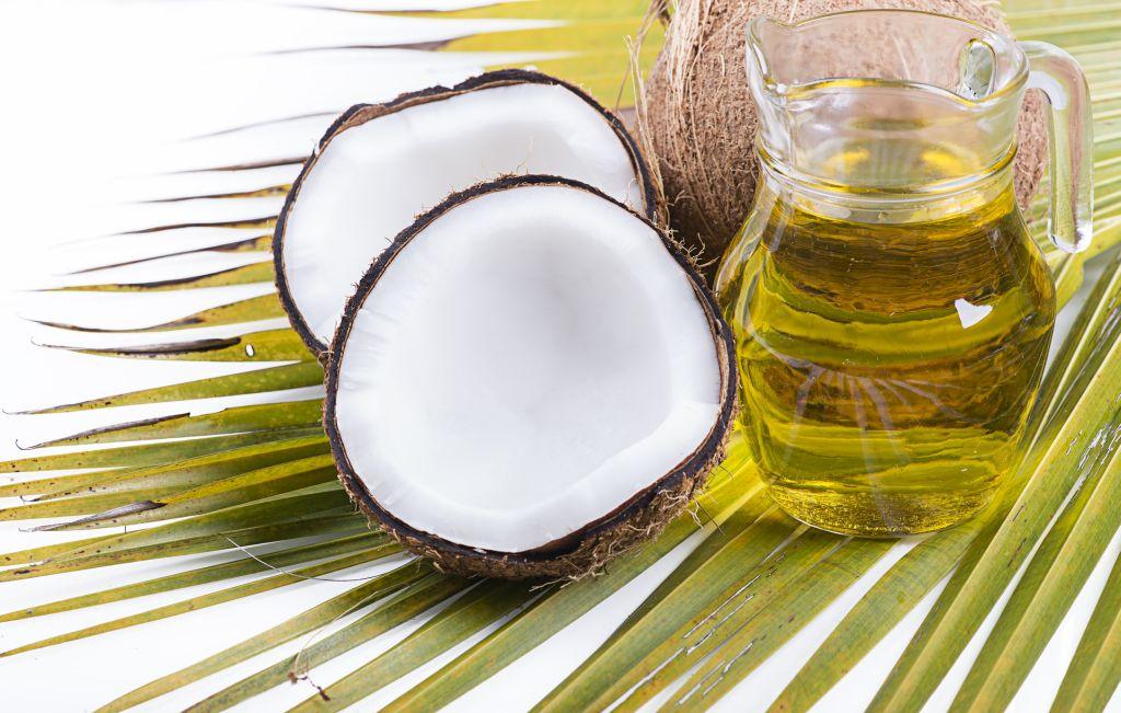 dầu dừa có dưỡng chất giúp chắc xương