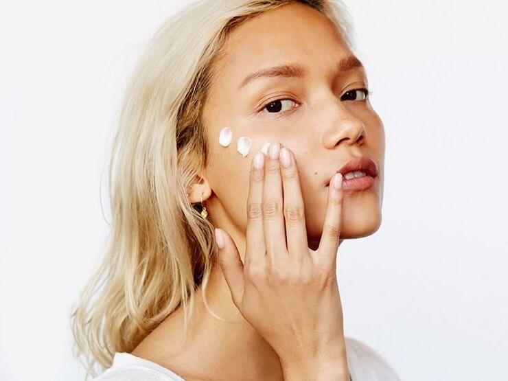 Hyaluronic Acid có công dụng làm dịu nhẹ làn da