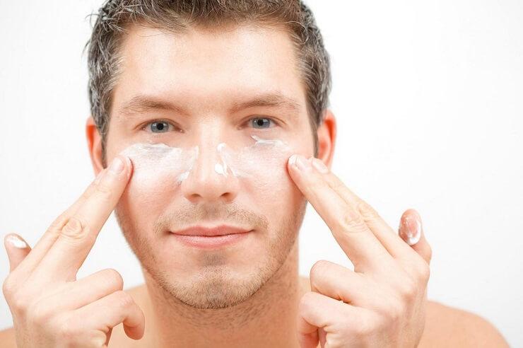 Tầm quan trọng của việc rửa mặt và chọn sữa rửa mặt cho nam