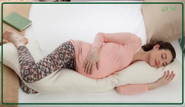 Ngủ đủ giấc và nghỉ ngơi giúp làm mịn da cho mẹ bầu