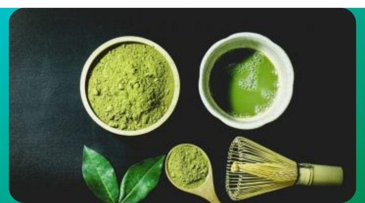 Làm mịn da bằng bột trà xanh và nước tinh khiết