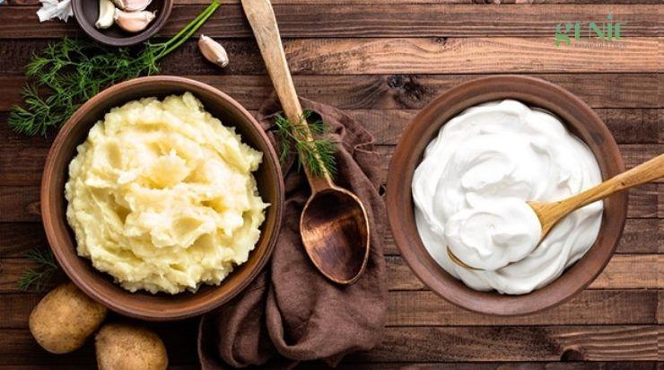 Sạch mụn với khoai tây và sữa chua